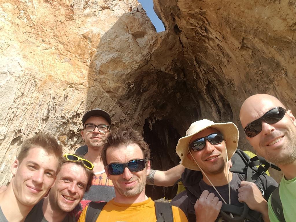 Selfie pred Grotta del Cavallo