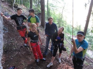 Slika 052 Kot piknik alpinisti_03072017010118