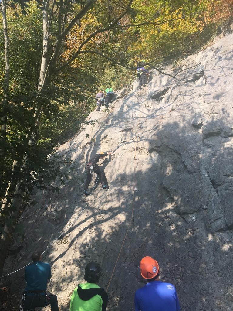 Prevezovanje na vrhu smeri Foto: Kaja