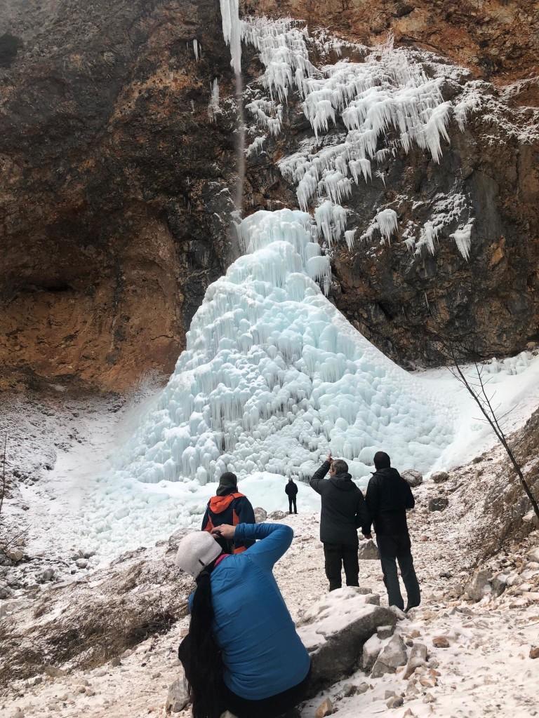 Legendarni štirje pod svojim slapom (malo jih zakrivam); foro: Andraž Levart Grudnik