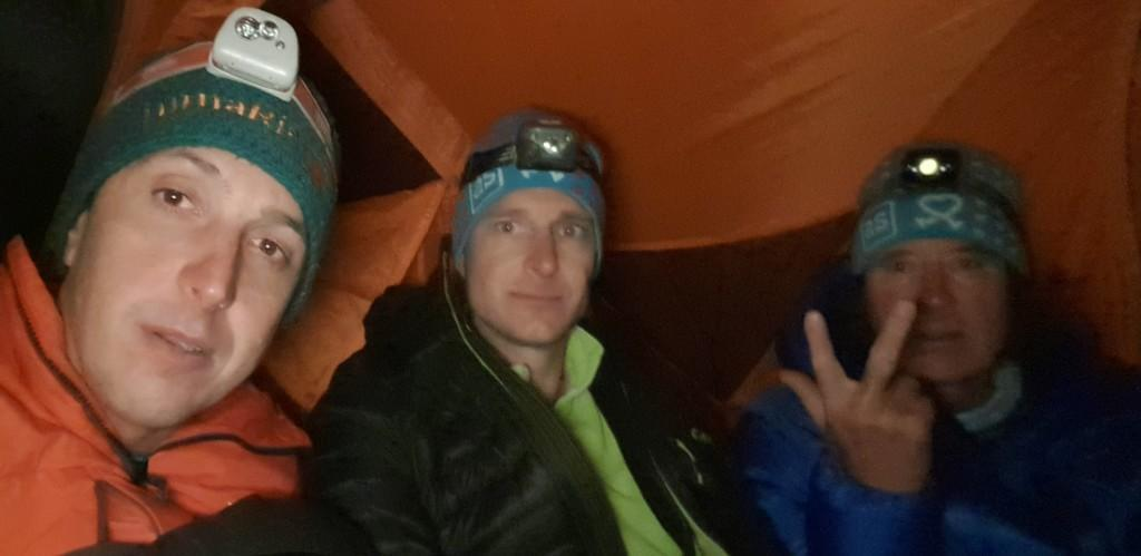 spali v šotoru na 3500m