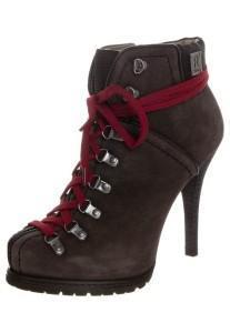 e3b993c37a48ebaecc2111edfcb9c12d--climbing-shoes-boot-heels